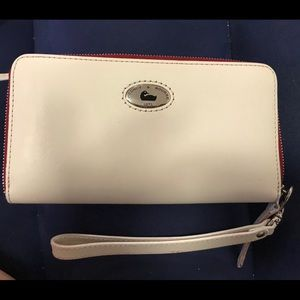 Dooney & Bourke White Pebbled Leather Zip Wallet
